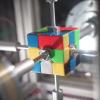 ルービックキューブ専用ロボが0.38秒で6面をクリアする動画